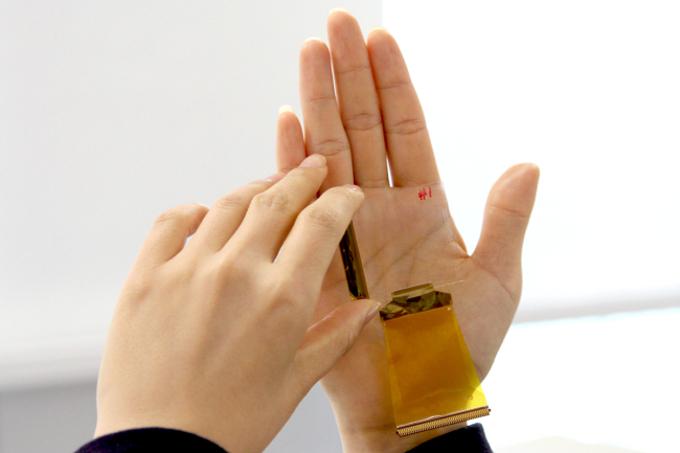 Photo of Встроенные в экран сканеры отпечатков пальцев появятся в смартфонах в 2017 году