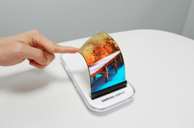 Photo of Apple делает новый заказ у Samsung на OLED-панели стоимостью $70 за единицу