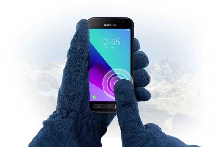 Официально представили Samsung Galaxy Xcover 4: смартфон, работающий в любых условиях