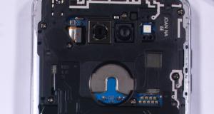 JerryRigEverything разобрал LG V30 и его камеру с апертурой f/1.6