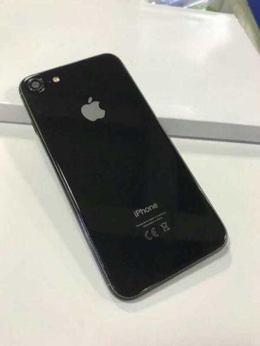 iPhone 7s, 7s Plus и iPhone X получат стеклянные задние панели