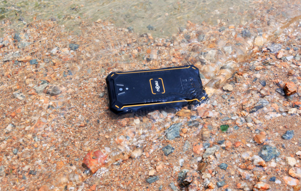 Photo of Nomu S10 Pro стал самым водонепроницаемым смартфоном