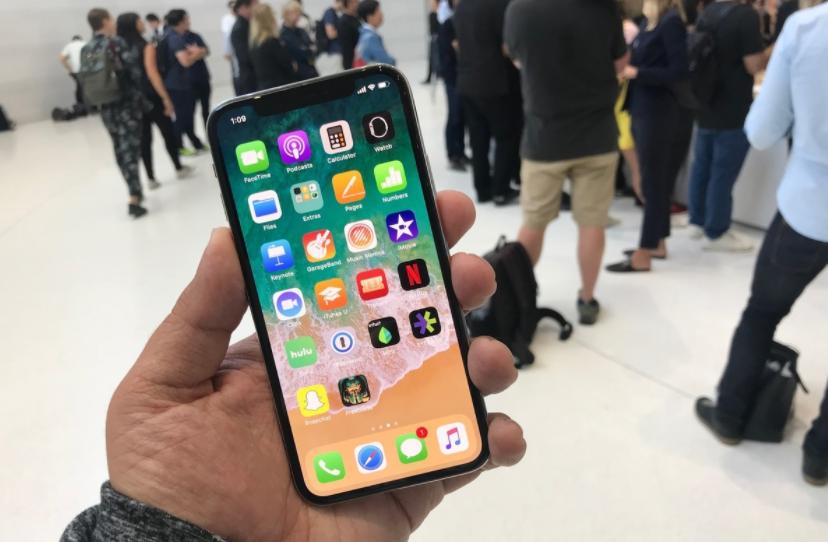 Старт продаж iPhone X может быть отложен до первого квартала 2018 года