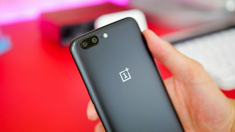 Цветовых вариантов OnePlus 5 станет больше