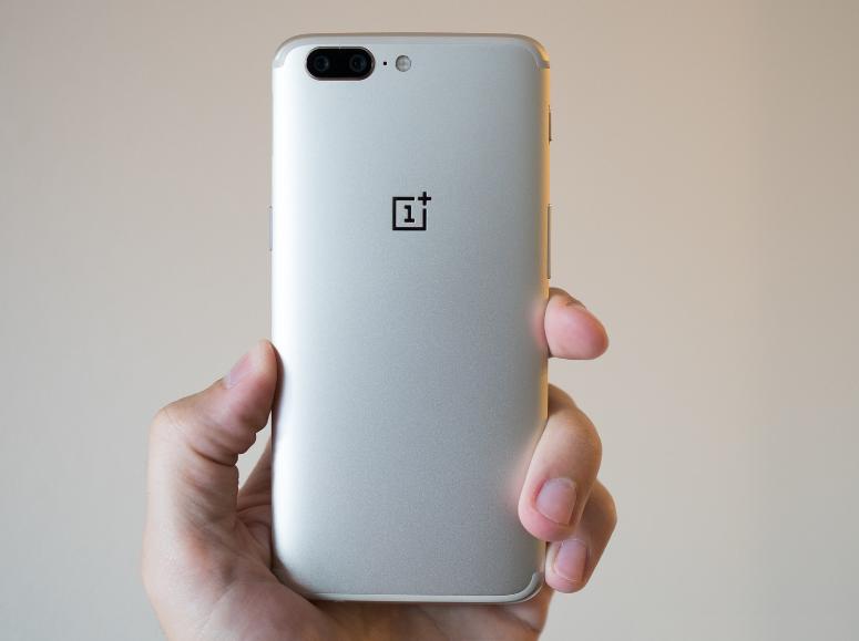 Photo of OnePlus 5 стал доступен в золотом цвете