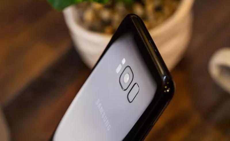 Photo of Samsung Galaxy Note 9 оснастят экранным датчиком отпечатков пальцев
