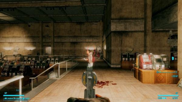 Photo of Моддер добавил в Fallout: New Vegas револьвер, стреляющий бейсбольными мячами